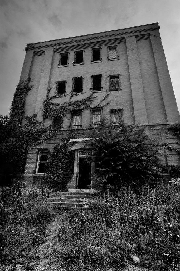 roseville prison ohio black and white