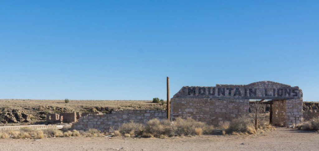 two guns ghost town mountain lions