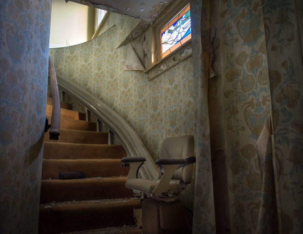 abandone penthouse stairlift