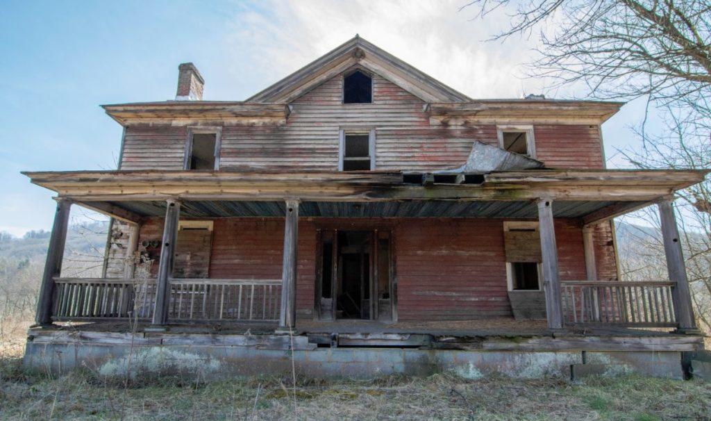 abandoned renaissance faire building
