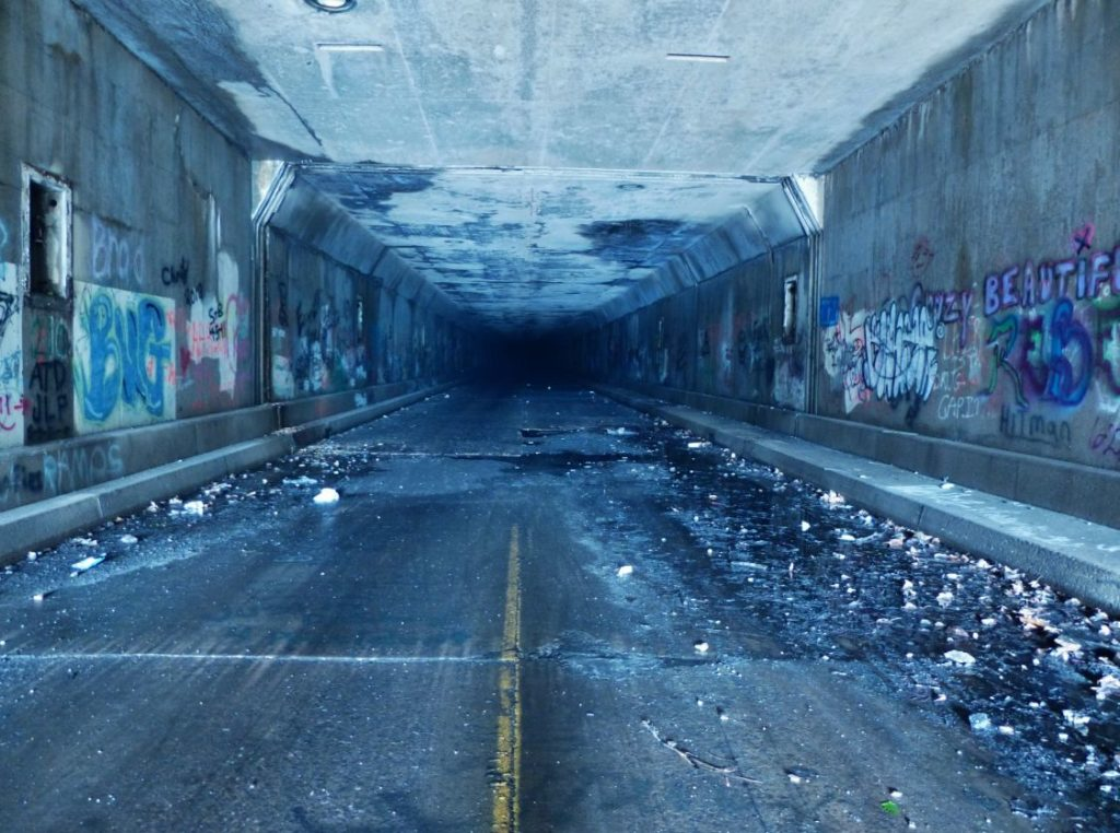 abandoned-pa-turnpike-sideling-hill-tunnel