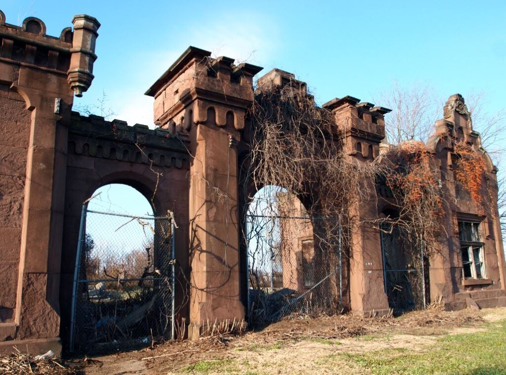 abandoned places in Pennsylvania that are graveyards