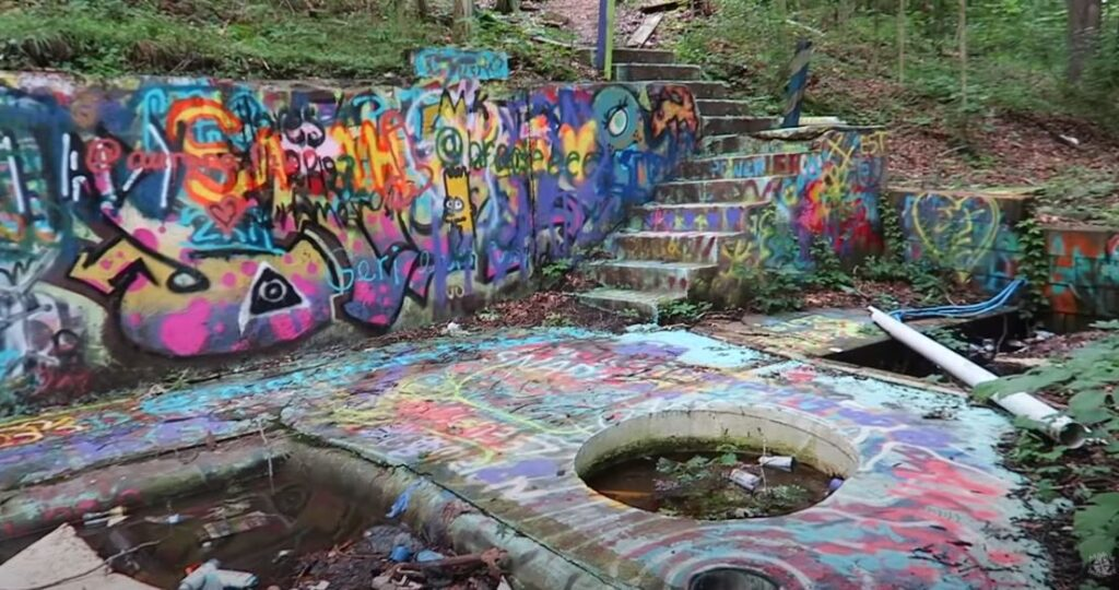 abandoned waterpark in Indiana